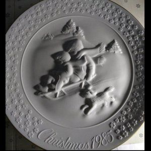 AVON 1985 A Childs Christmas Plate